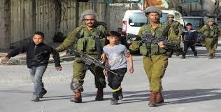 L'occupation viole gravement et systématiquement les droits des enfants palestiniens.
